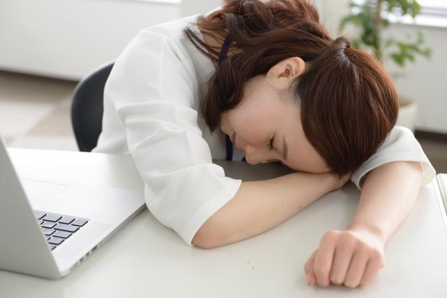 会社でお昼寝