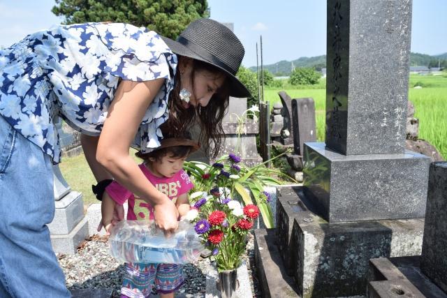 子供とお墓参り